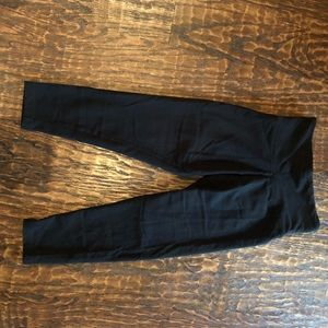 Victoria's Secret Cropped Yoga Pants